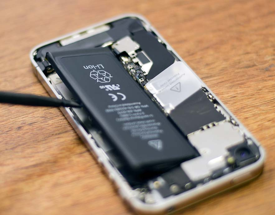 ganti baterai iphone